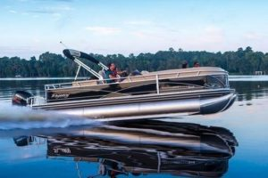 9cea466c4488b9bfbb94a9f8ce8577f1--tracker-boats-power-boats